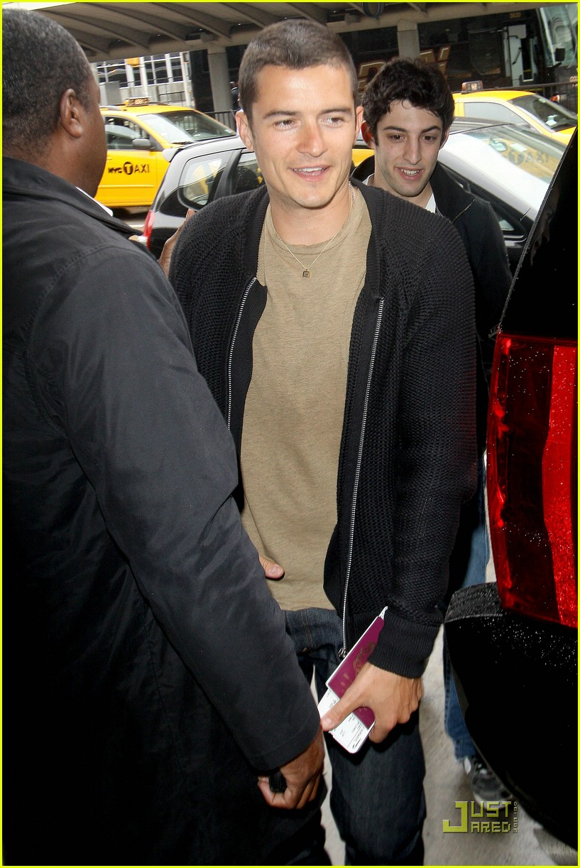 orlando bloom burberry buildling 02