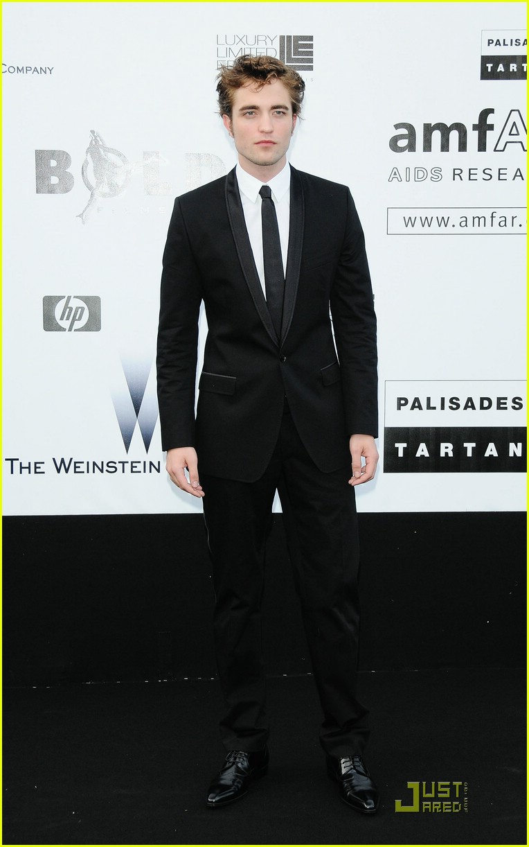 robert pattinson amfar 021939491