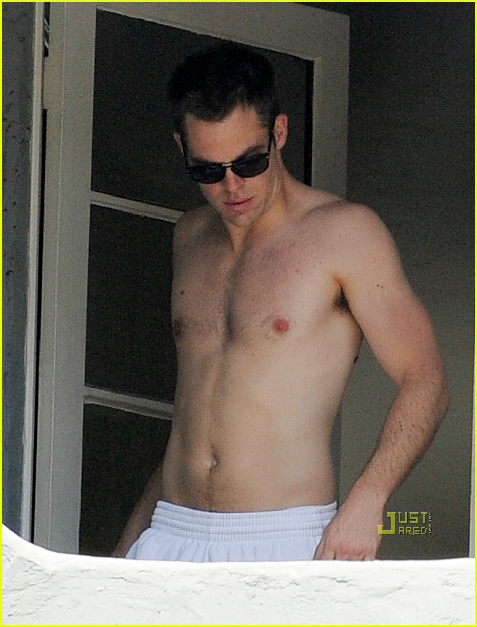 chris pine shirtless picking nose 15