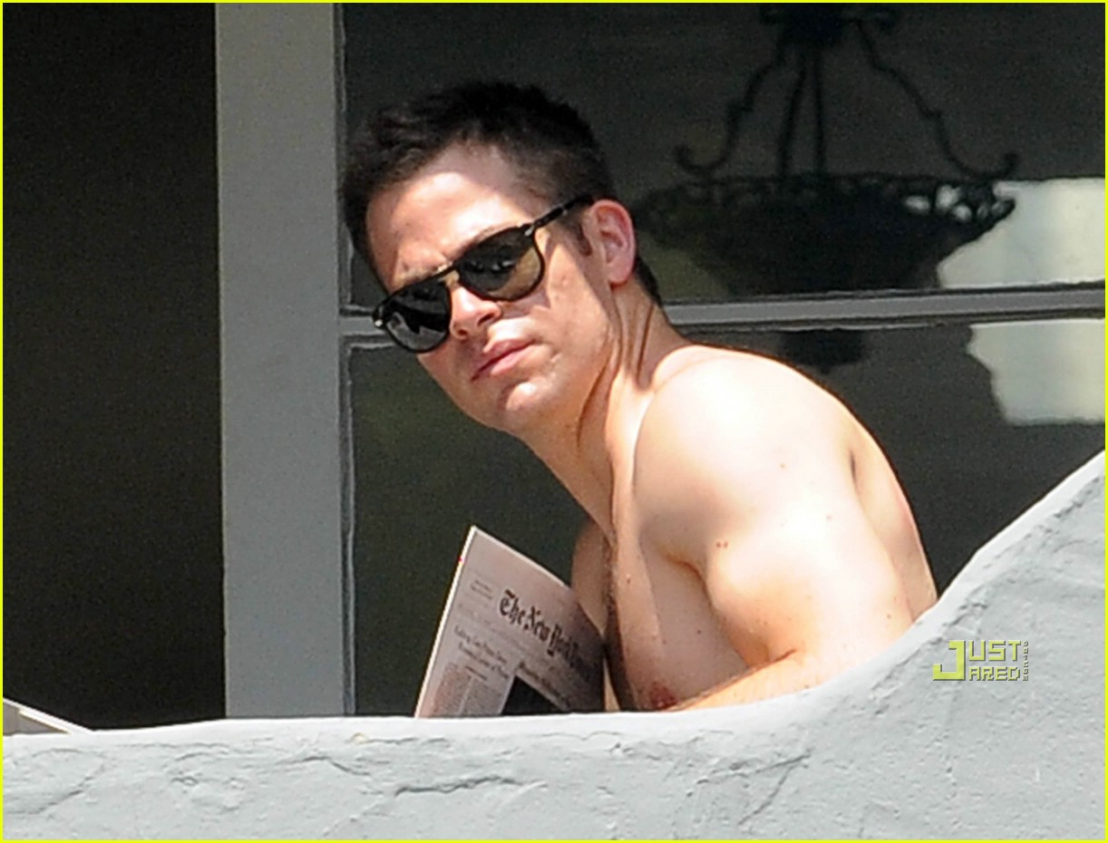 chris pine shirtless picking nose 35