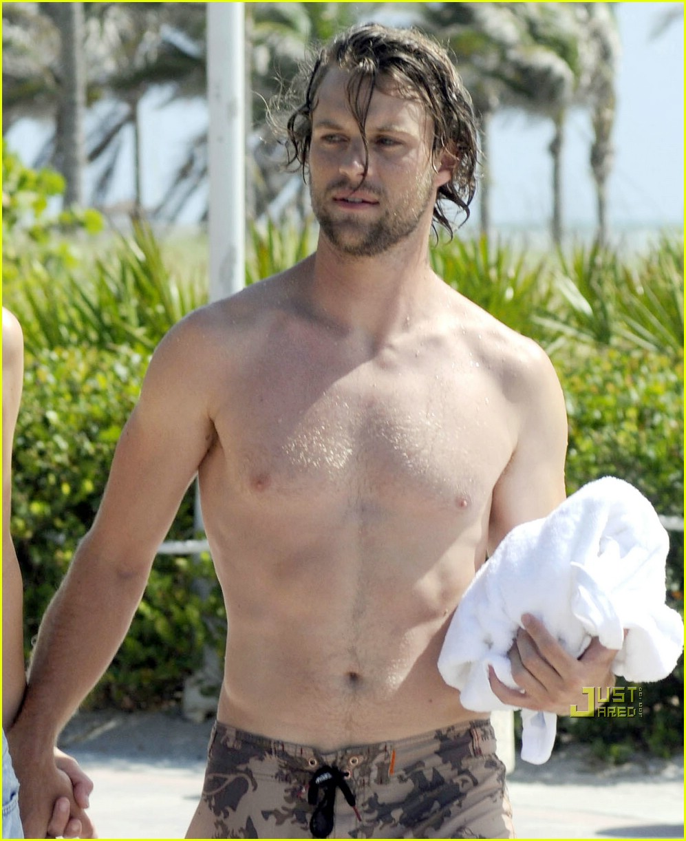 jesse spencer shirtless 01