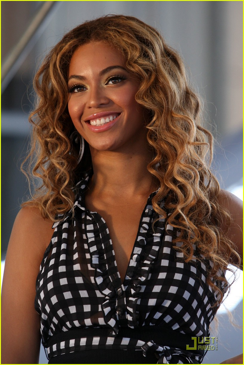 beyonce show your helping hand 01