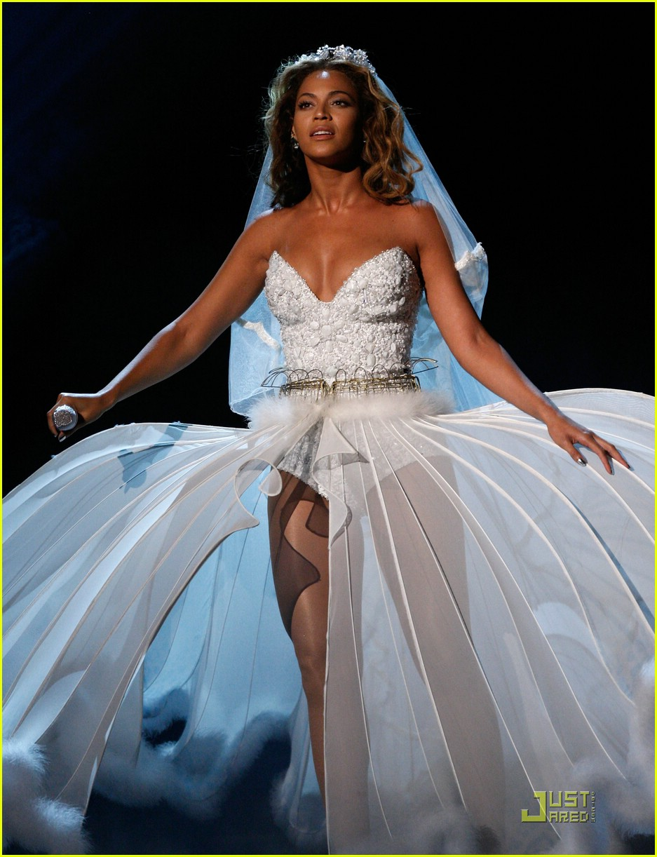 beyonce wedding dress 06