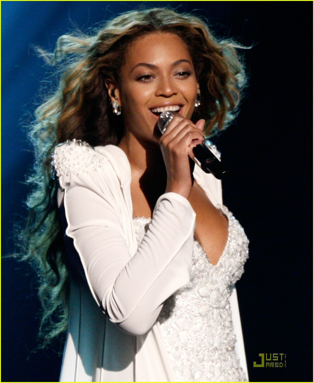 Beyonce wedding pictures the image kid for Beyonce wedding dress pictures