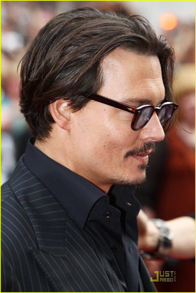 Remarkable Johnny Depp Is Bemused By Bank Robbers Photo 2021111 Johnny Short Hairstyles For Black Women Fulllsitofus
