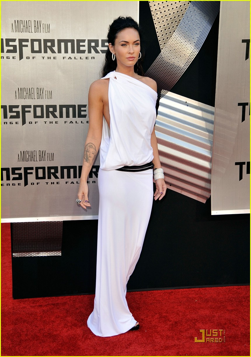 megan fox toga terrific 032005281