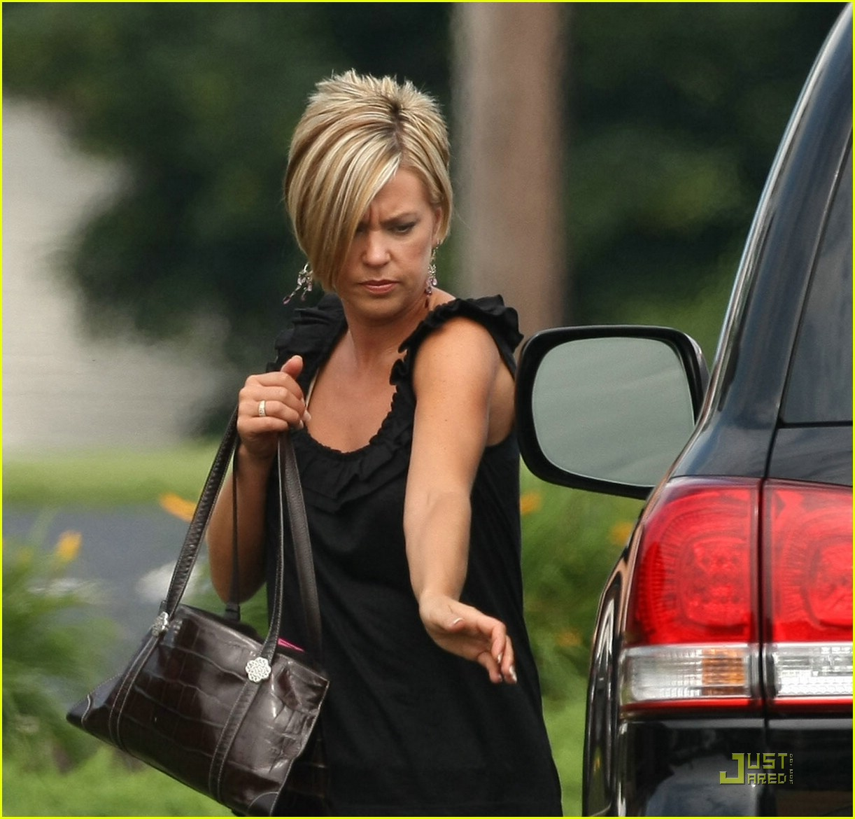kate gosselin land cruiser 03