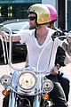 adam levine plain white tee 02