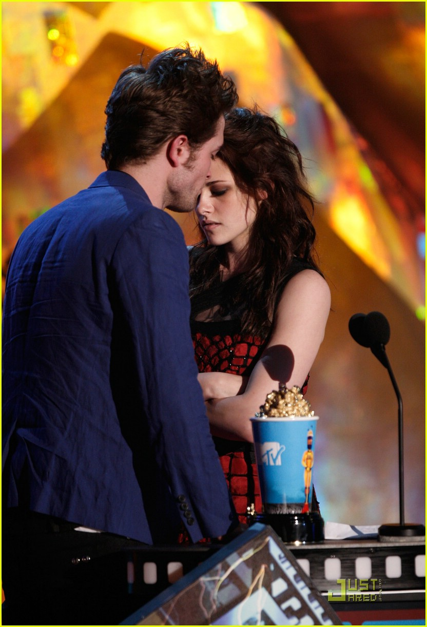 robert pattinson mtv movie awards 2009 03