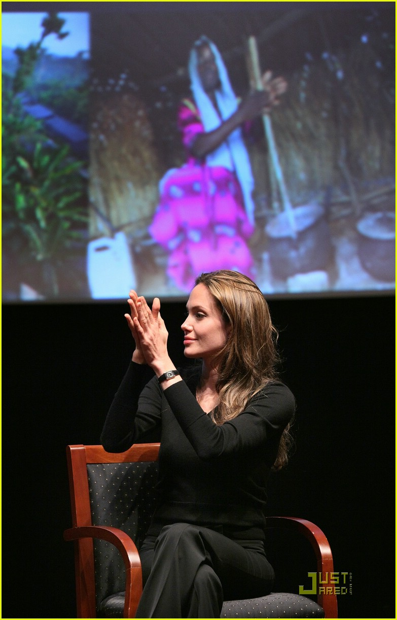 world refugee day angelina jolie 04