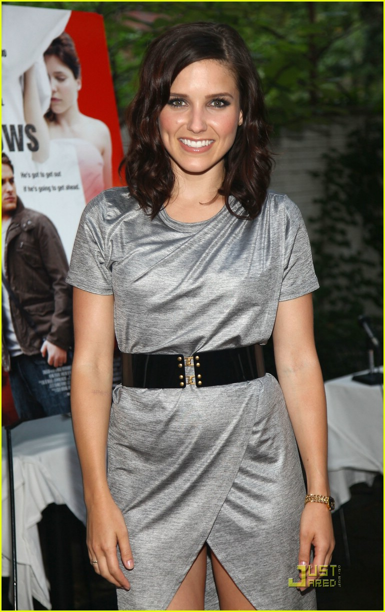 sophia bush the narrows premiere 01
