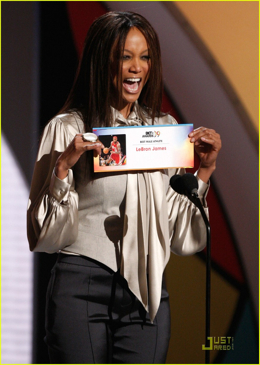 tyra banks bet awards 2009 062018771