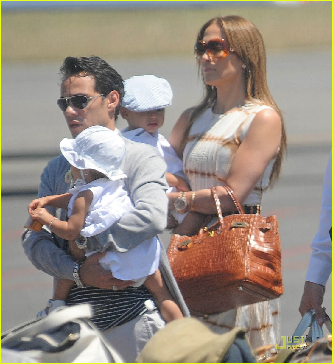 jennifer lopez marc anthony via condotti 12