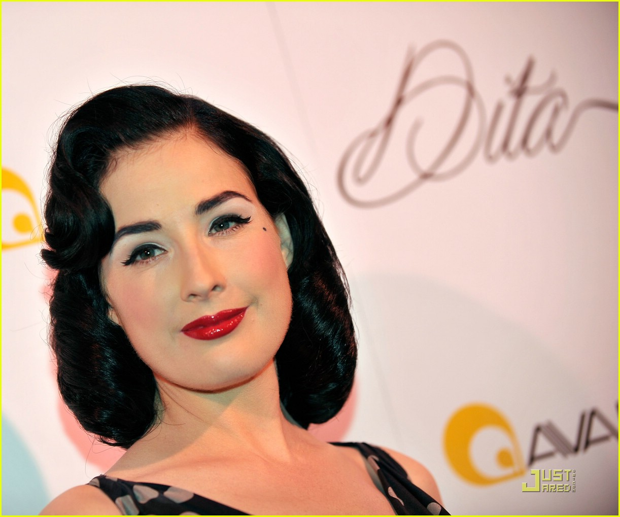 dita von teese martini glass 16