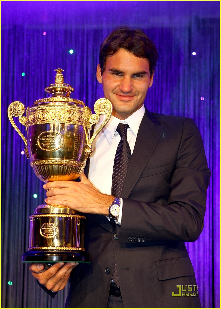 roger federer serena williams take their trophies 03