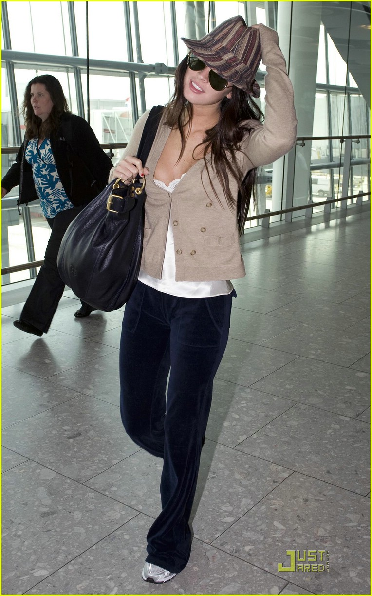 megan fox across pond pretty 09