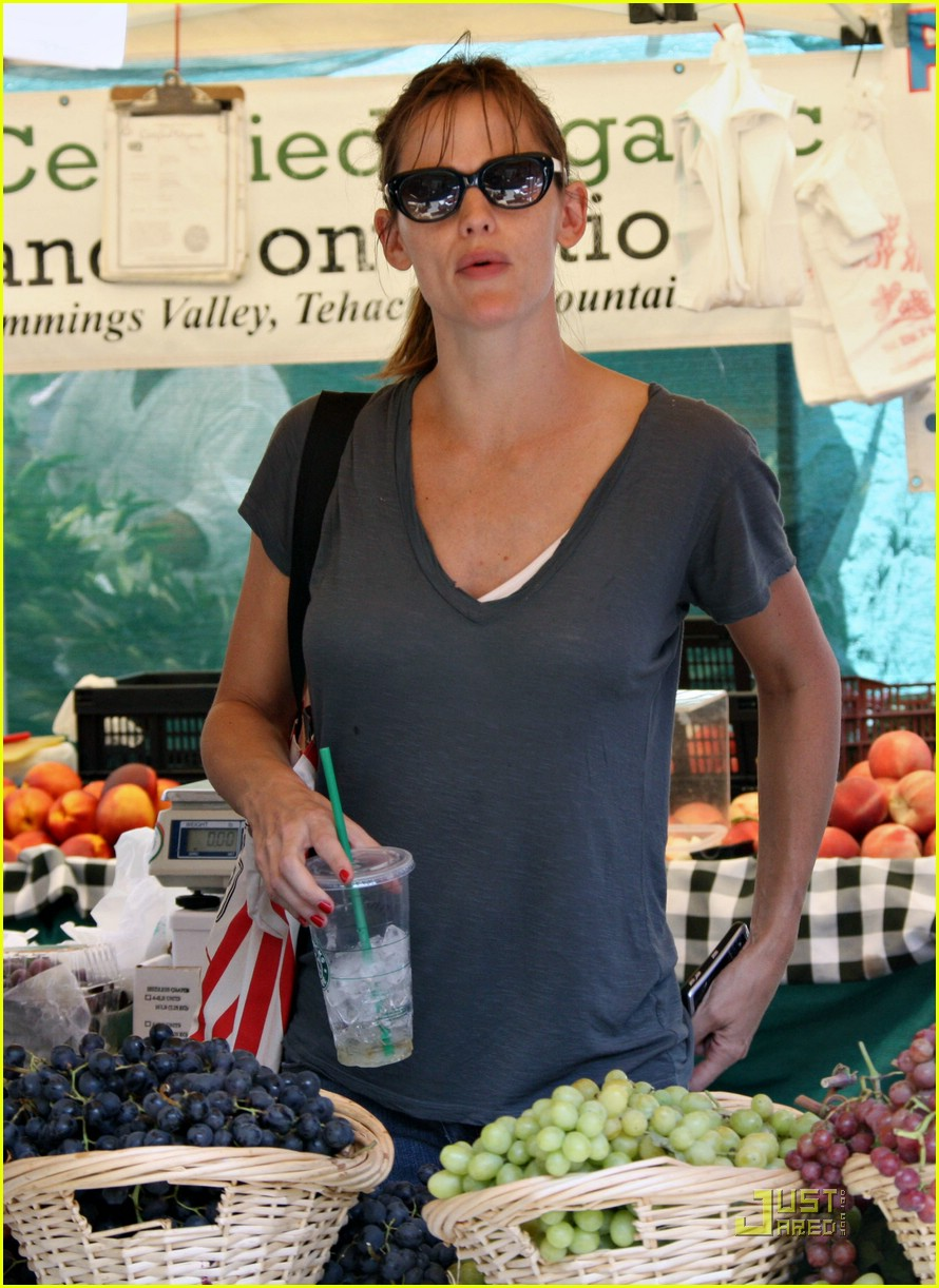 jennifer garner grapes 23