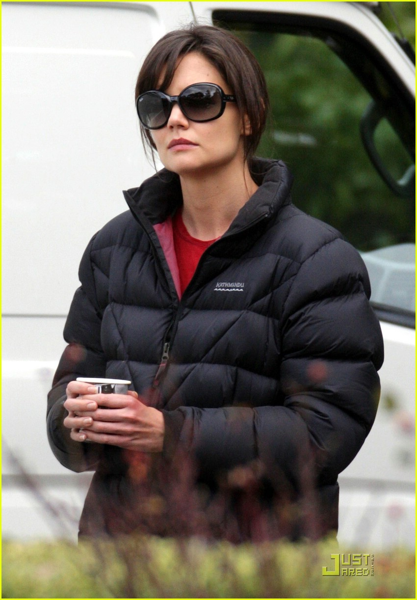 katie holmes blacks out 02