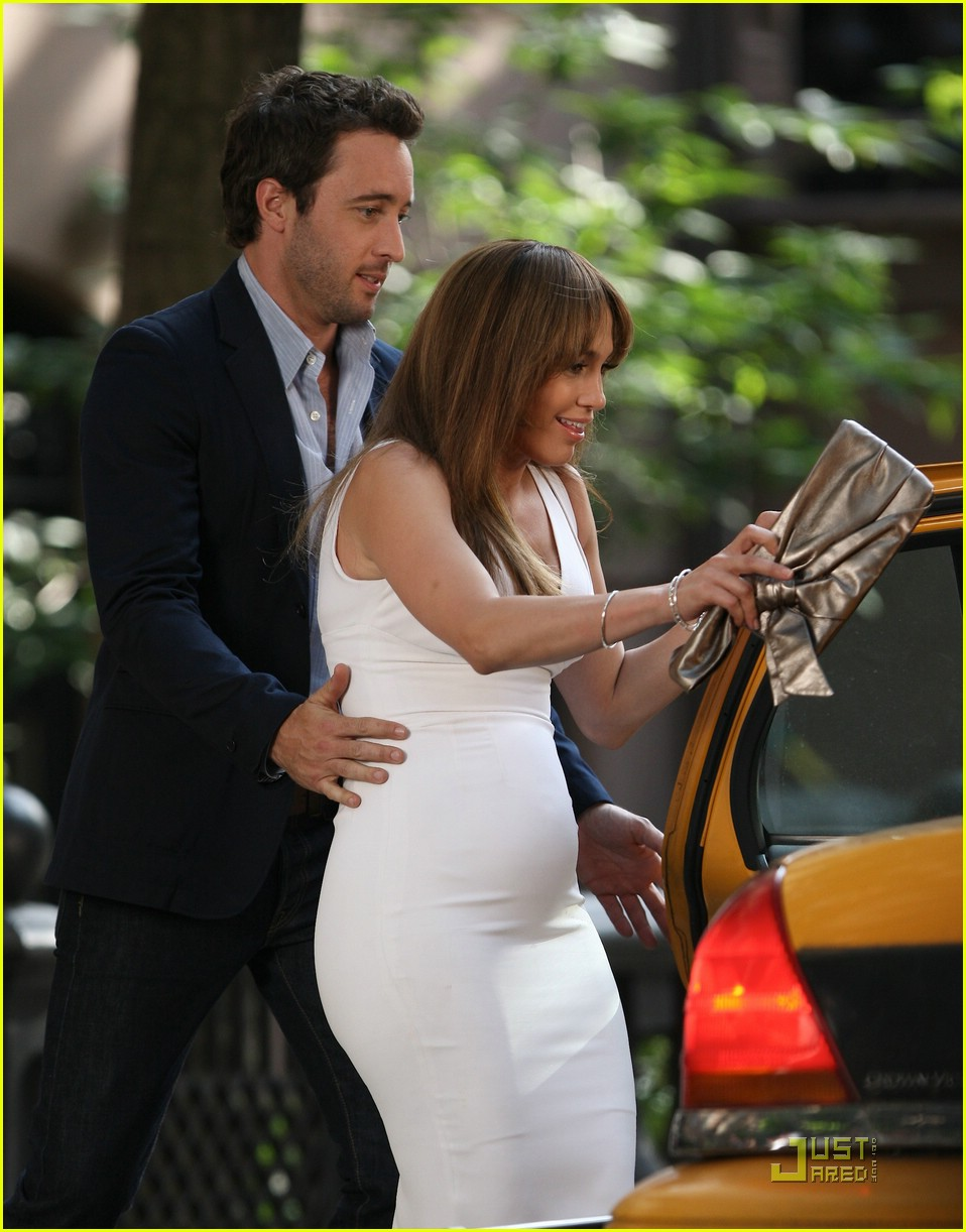 jennifer lopez baby bump watch 05