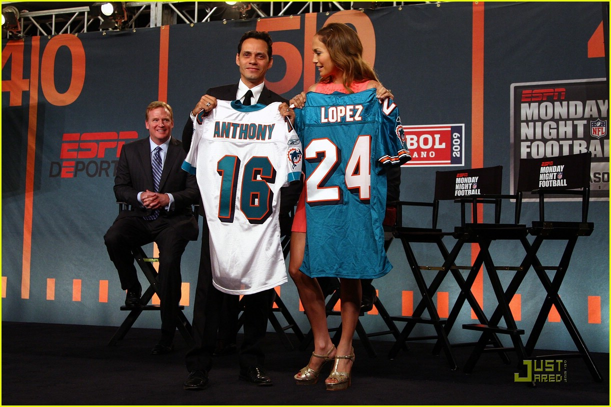 jennifer lopez dolphins marc anthony 152067841
