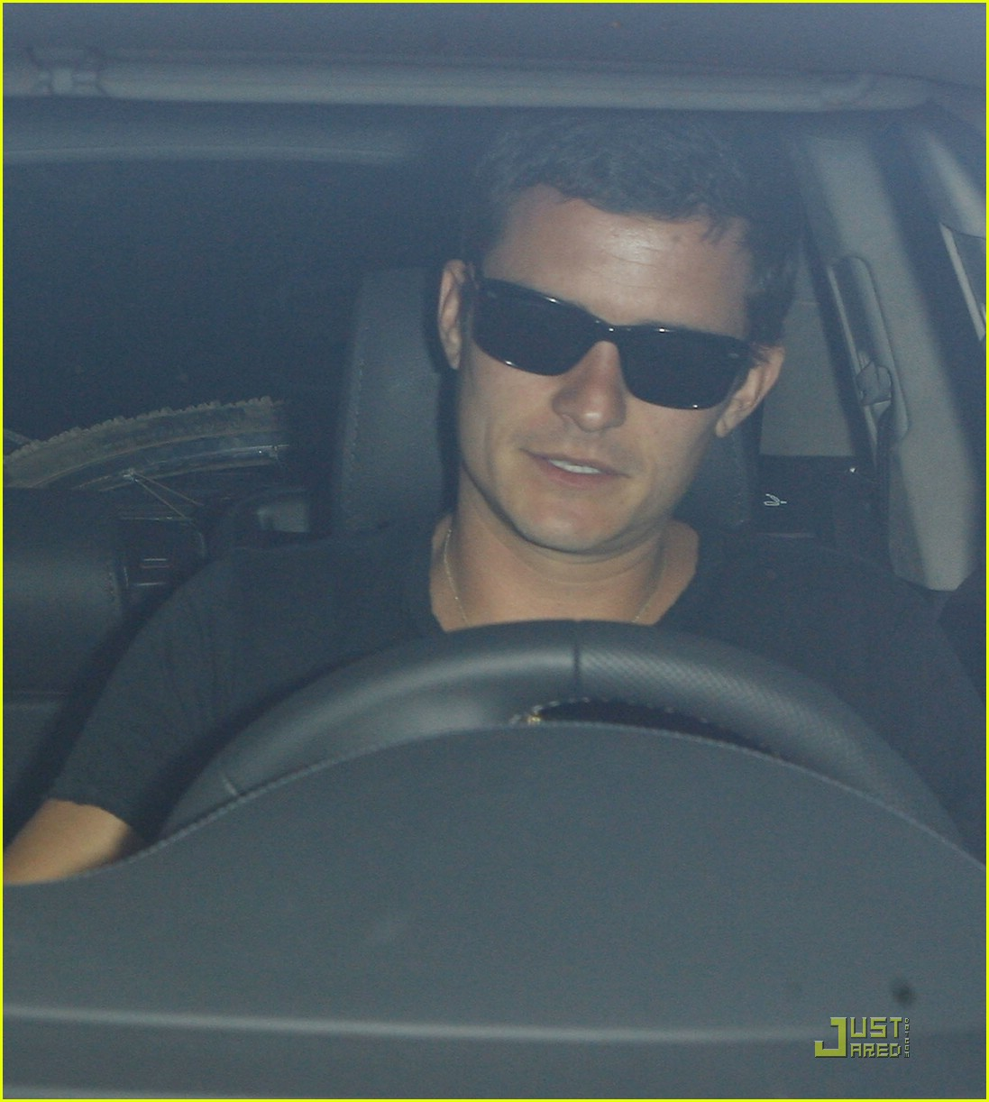 orlando bloom miranda kerr greek restaurant 02