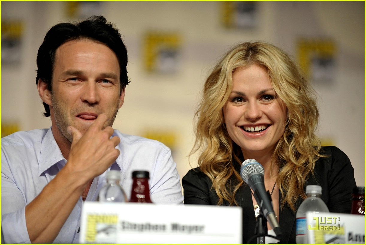 anna paquin stephen moyer comic con 05