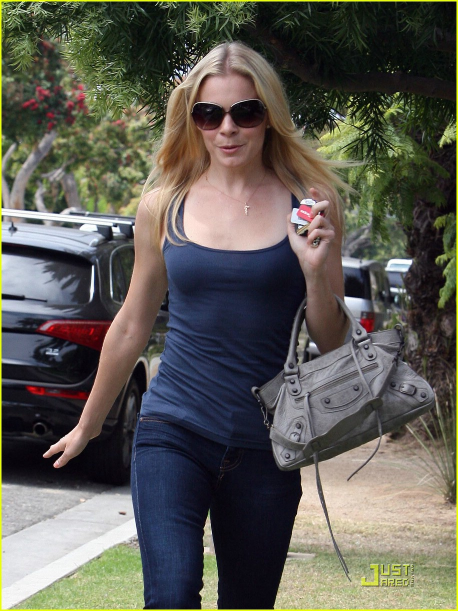 leann rimes finds her friends 10