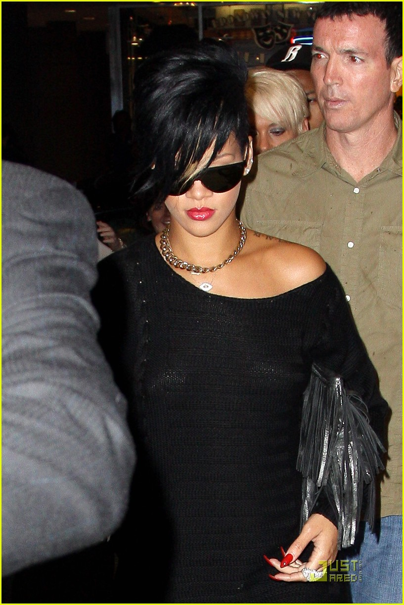 rihanna broadway lion king 07