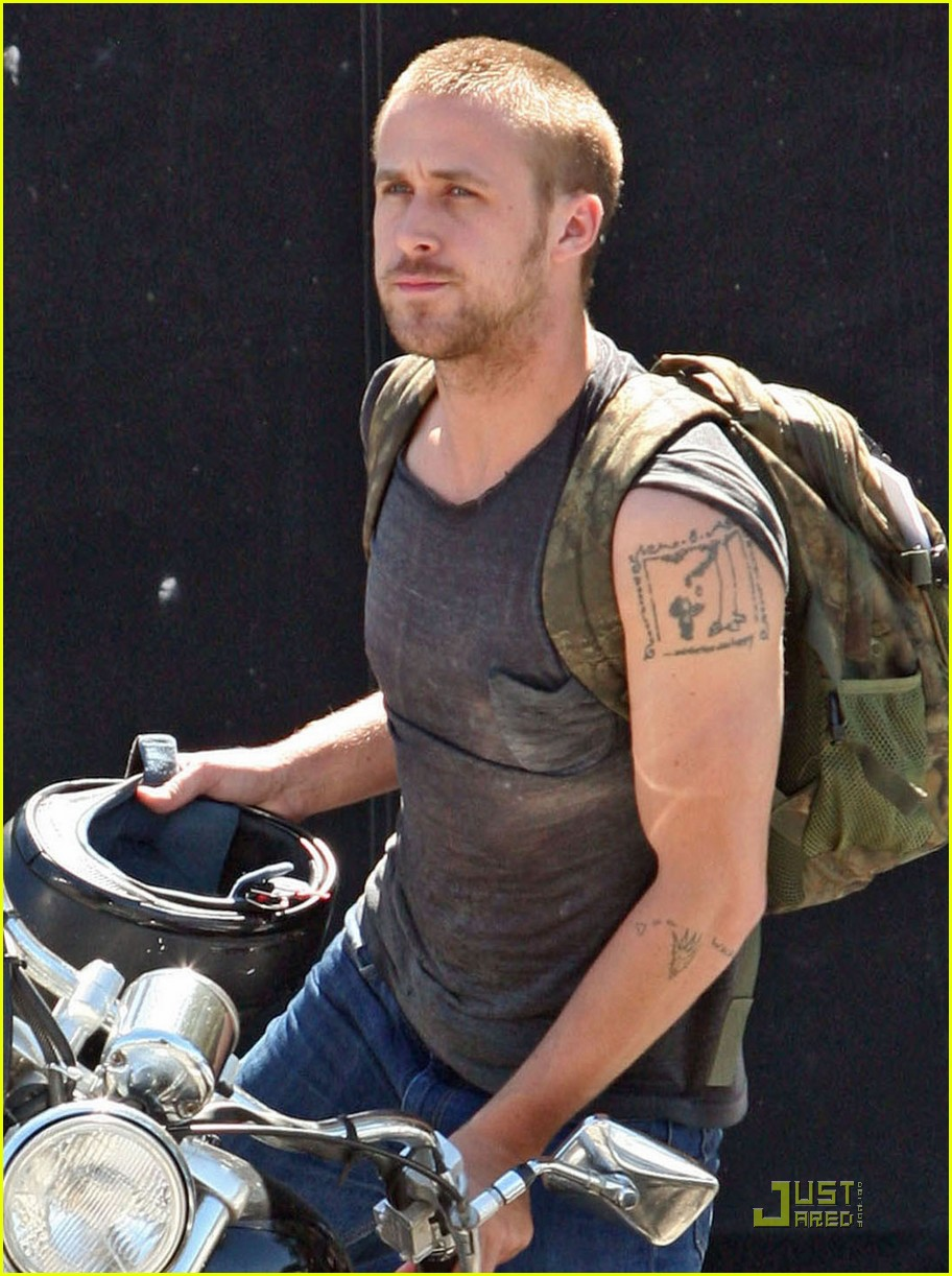 ryan gosling muscle man 012106222