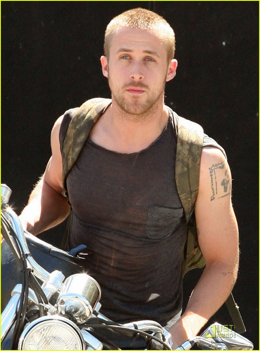 ryan gosling muscle man 05