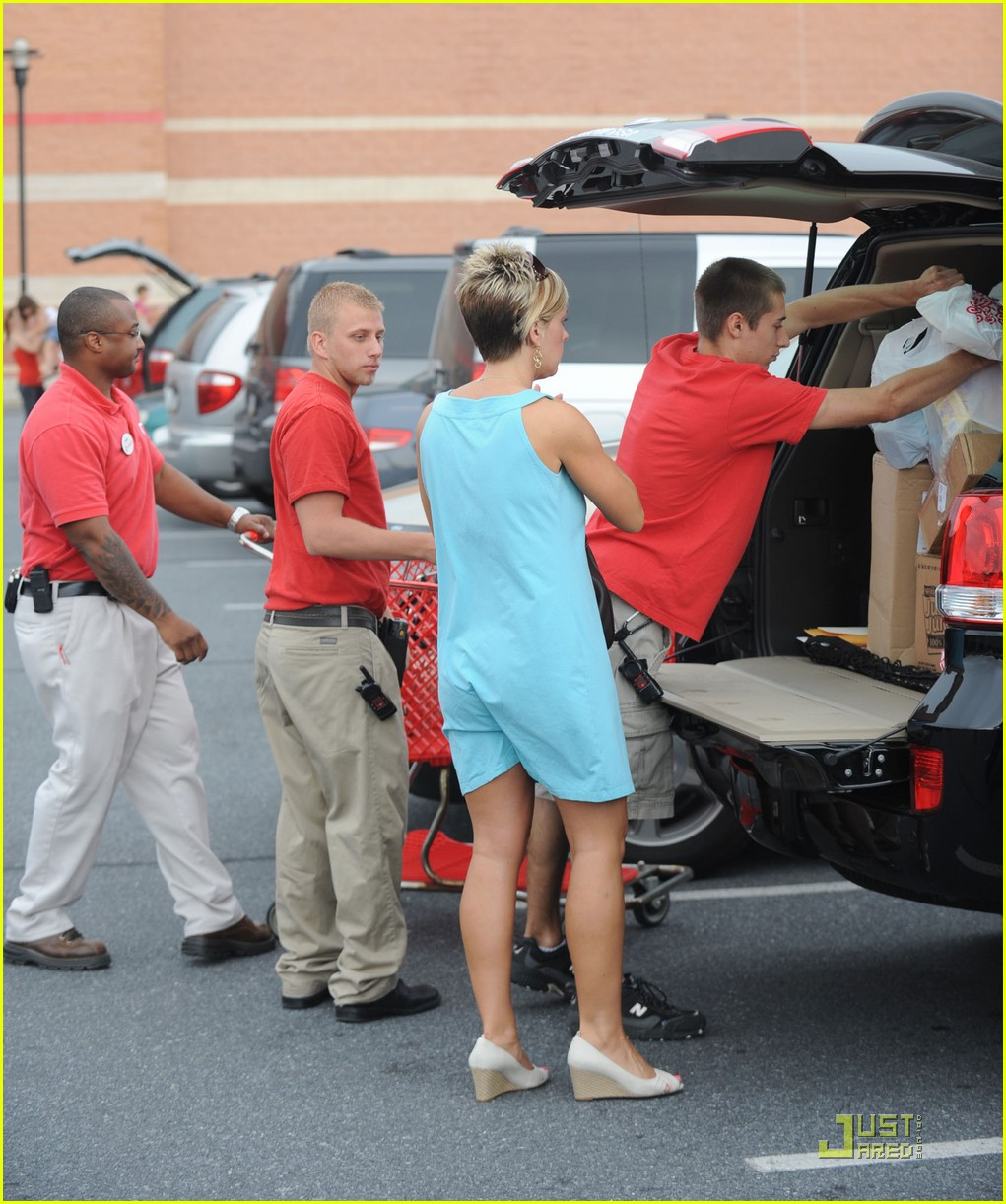 kate gosselin target troops 08