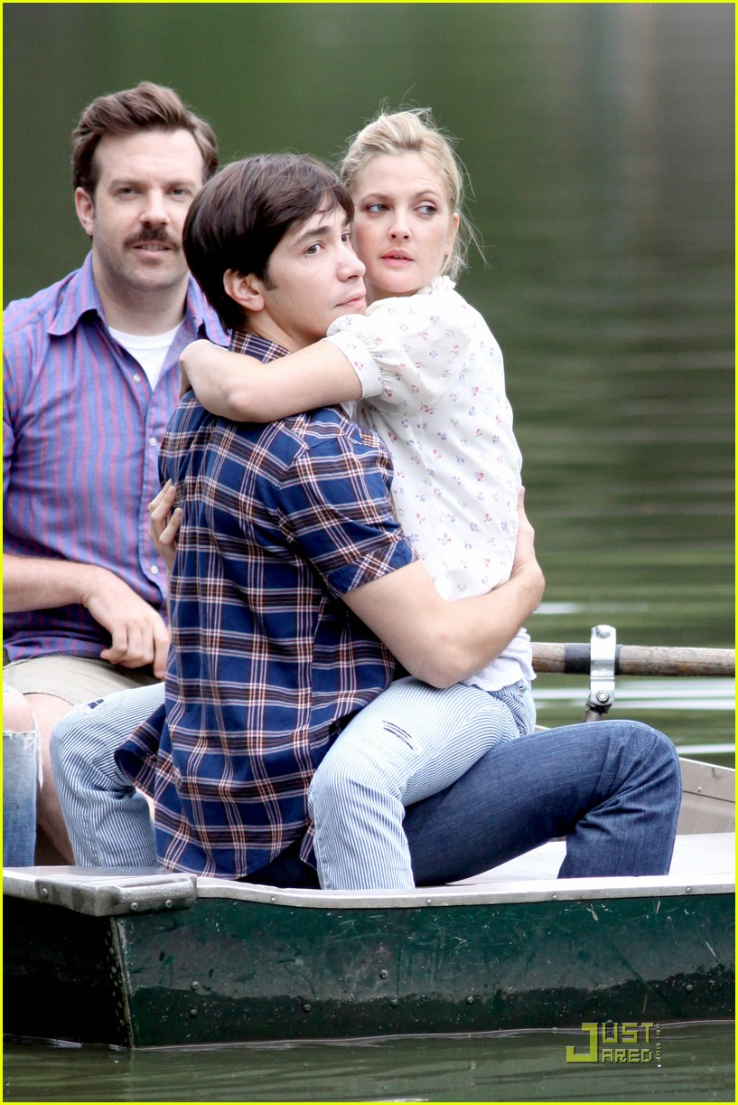 drew barryymore justin long kissing rowboat 06