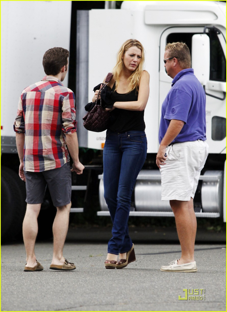 Full Sized Photo of blake lively the town ben affleck 14 ... Ben Affleck