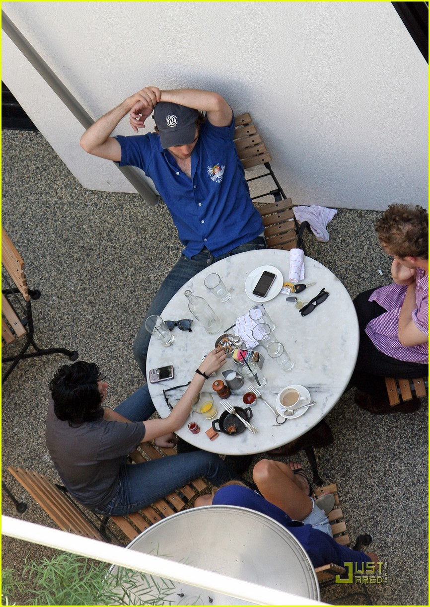 robert pattinson kristen stewart lunch date 08