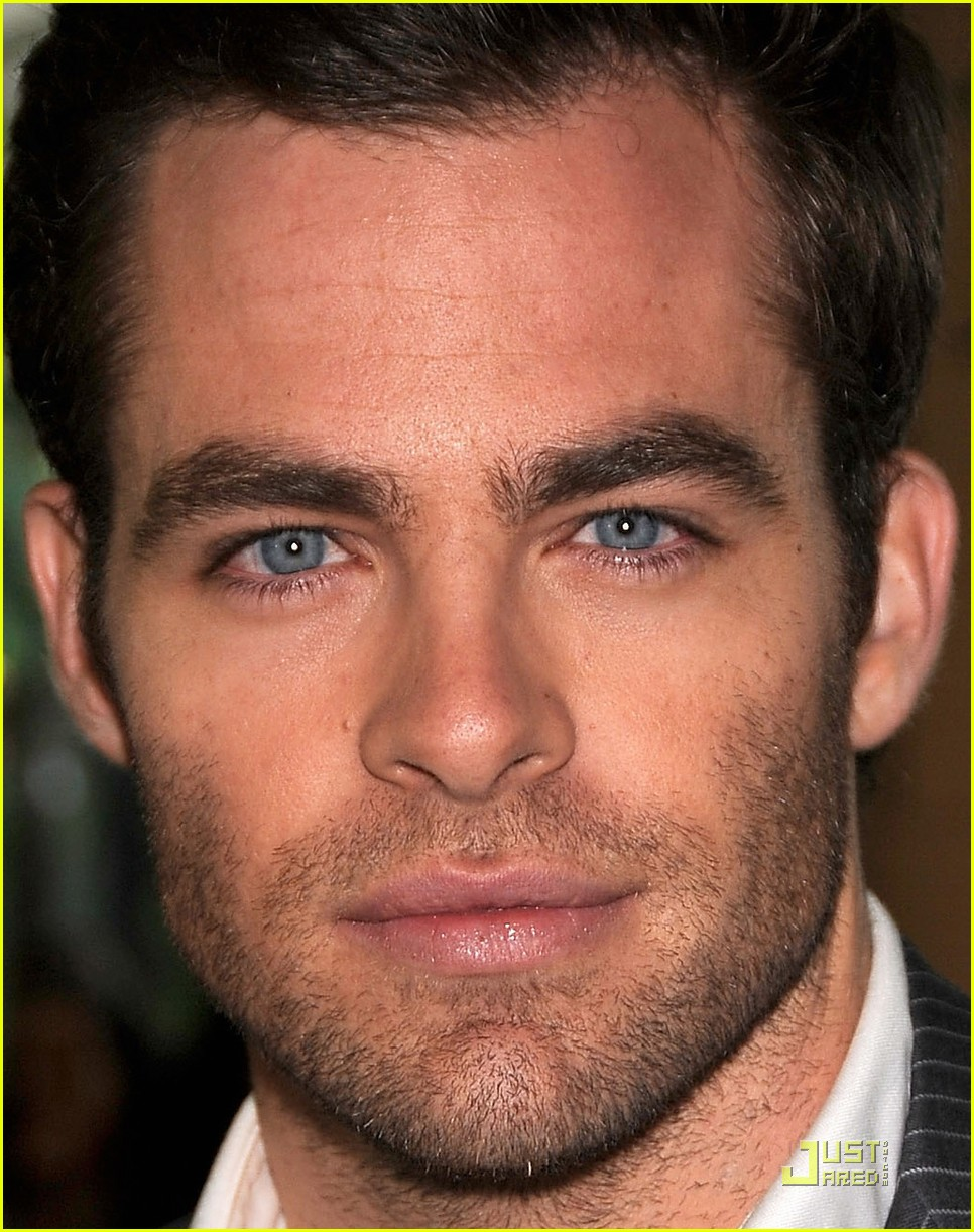 chris pine hollywood foreign press luncheon 25