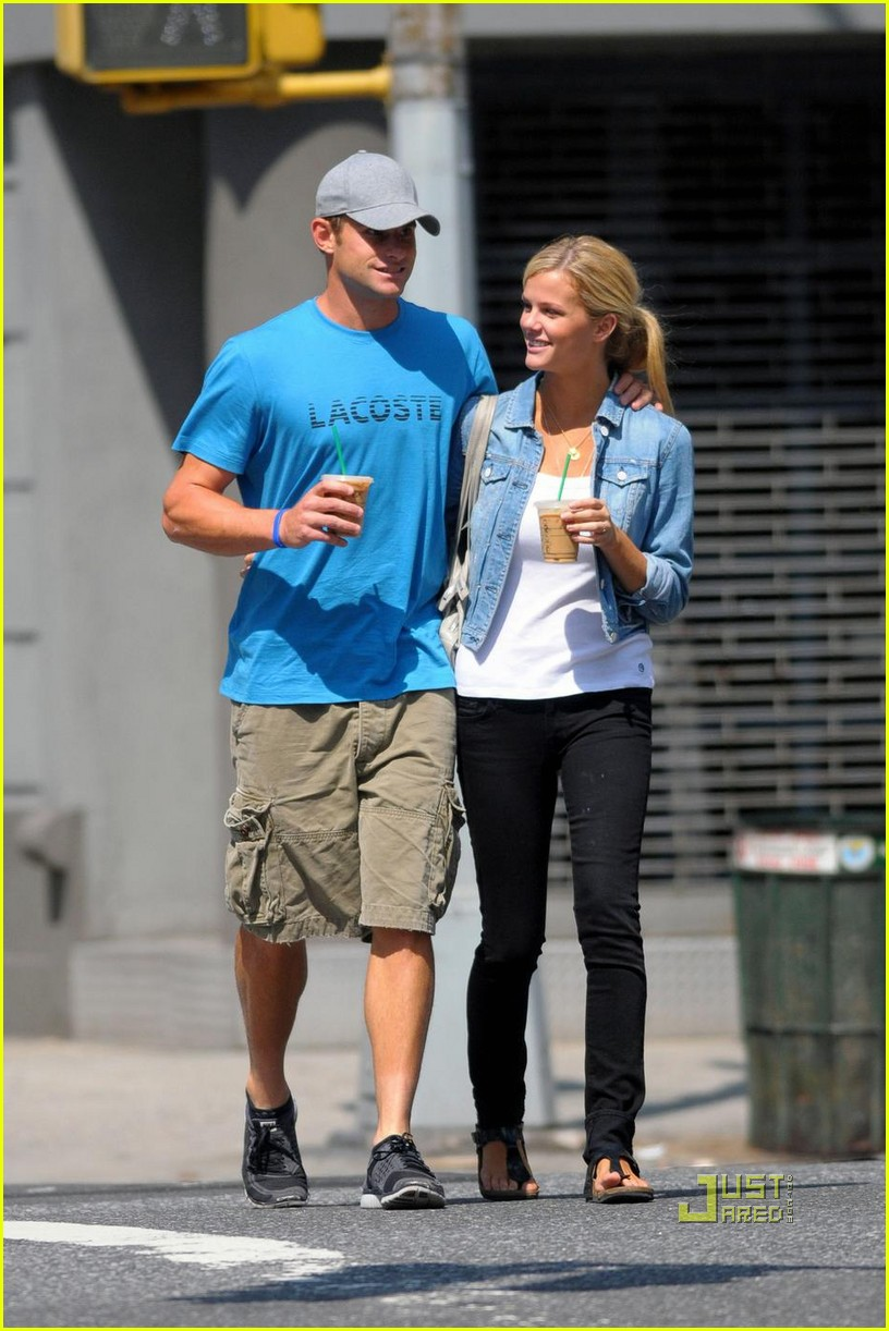 andy roddick brooklyn decker coffee 09