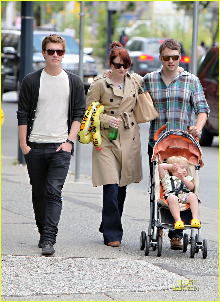bryce dallas howard seth gabel son theodore 04