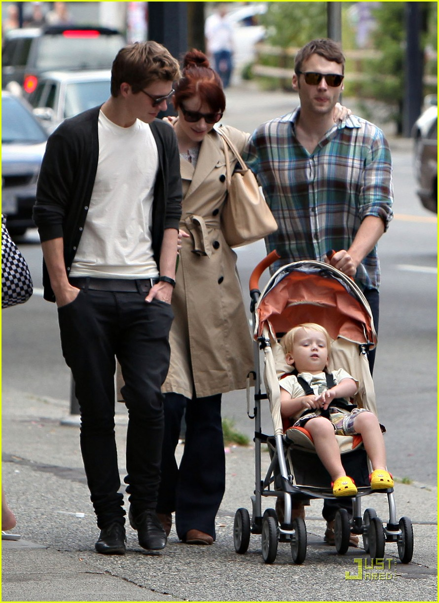 bryce dallas howard seth gabel son theodore 06
