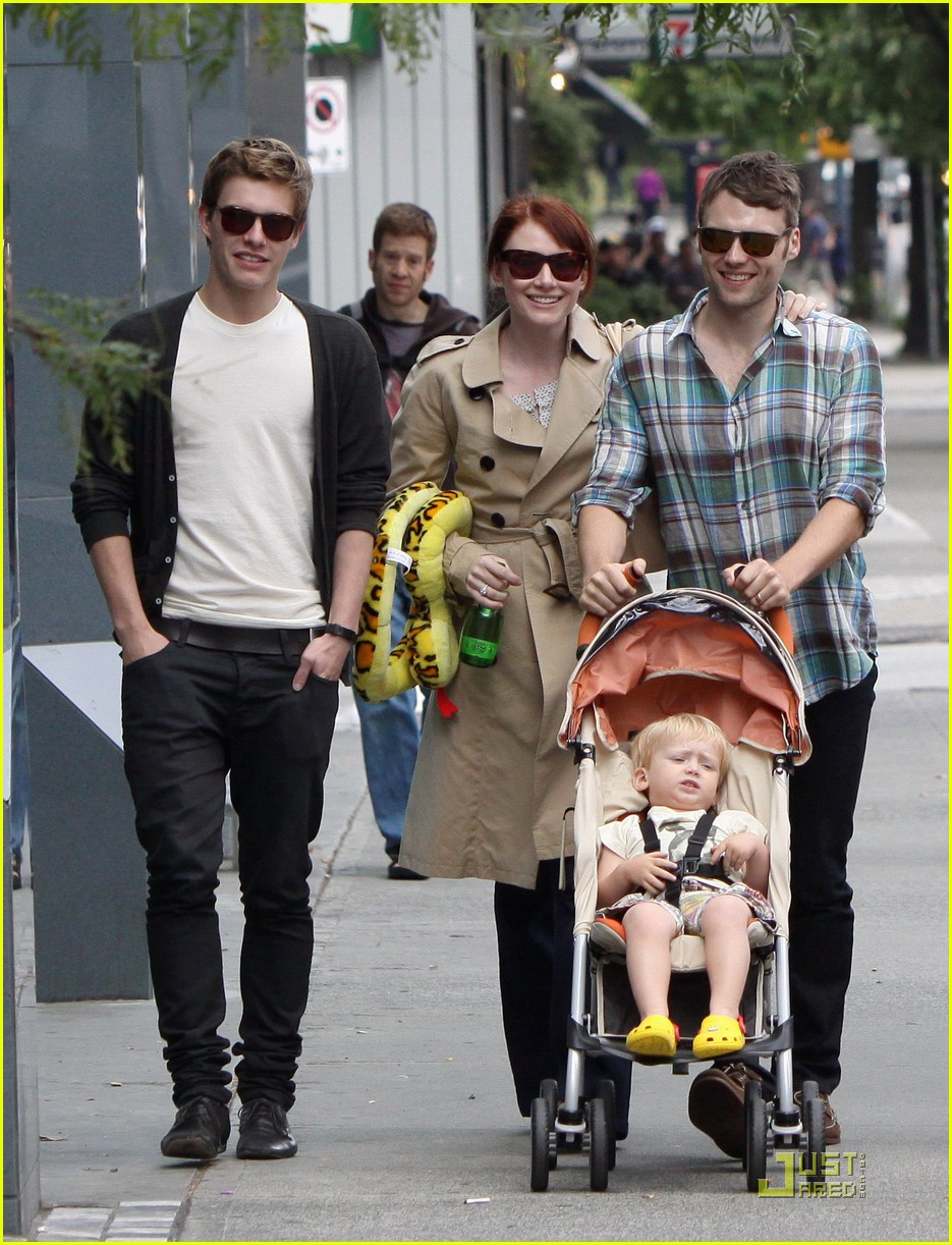 bryce dallas howard seth gabel son theodore 07