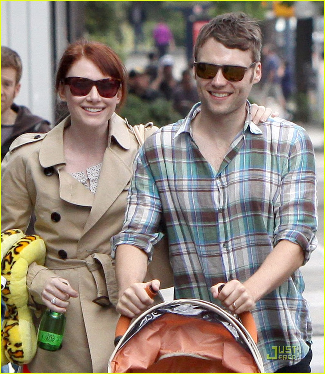 bryce dallas howard seth gabel son theodore 25