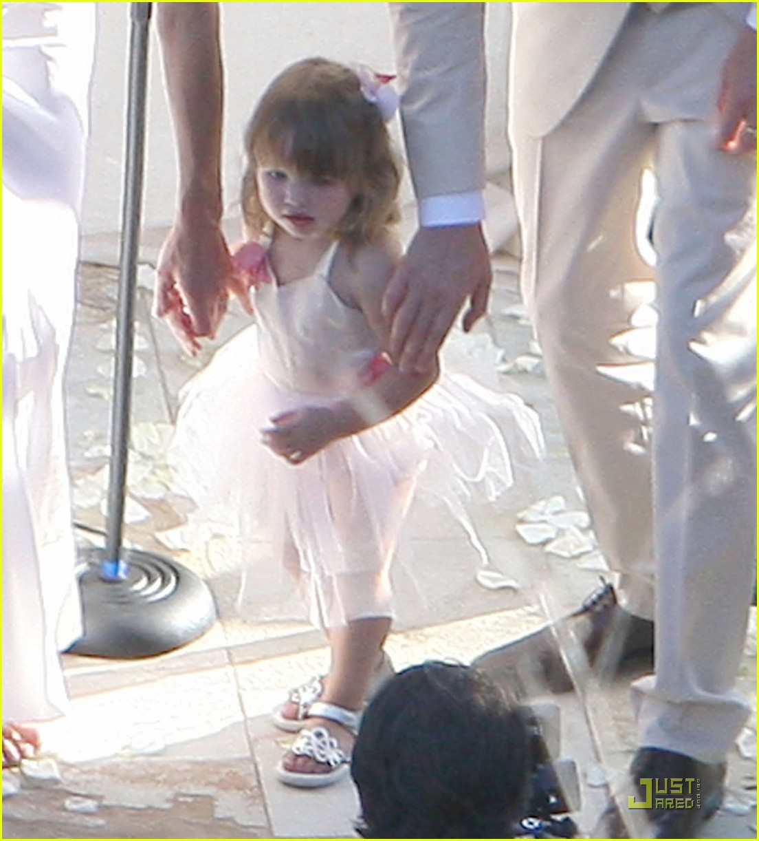 milla jovovich wedding picture 03
