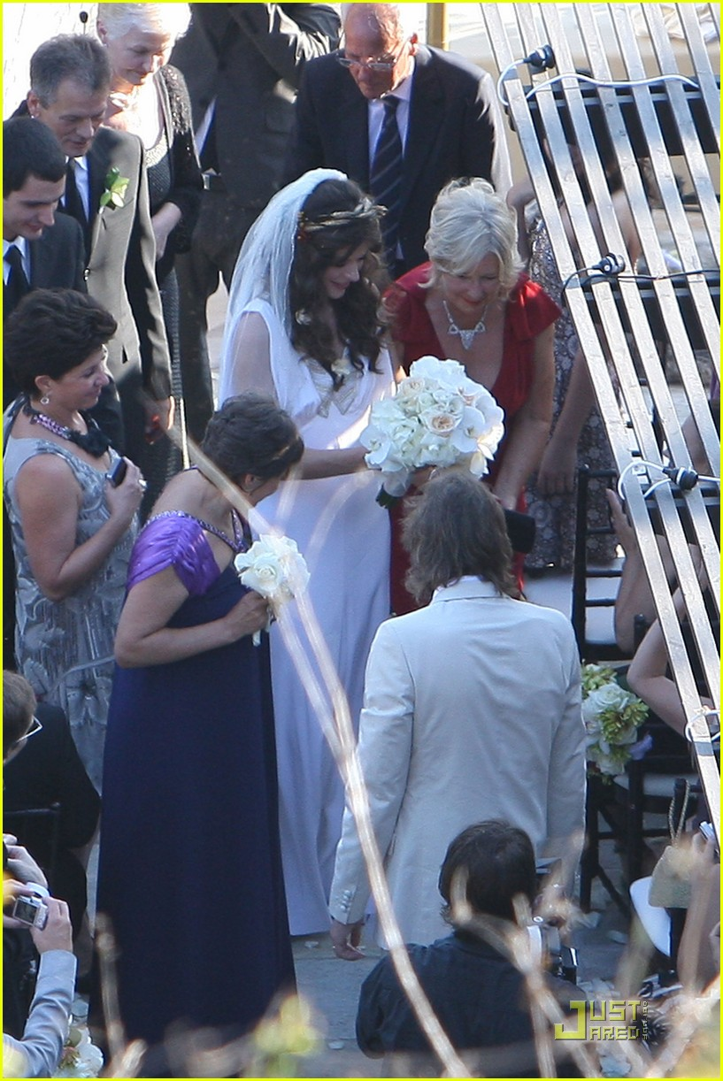 milla jovovich wedding picture 162151661