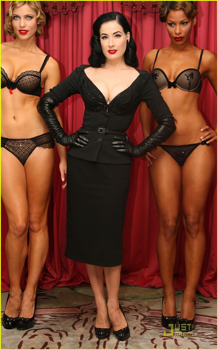 dita wonderbra party edition 14