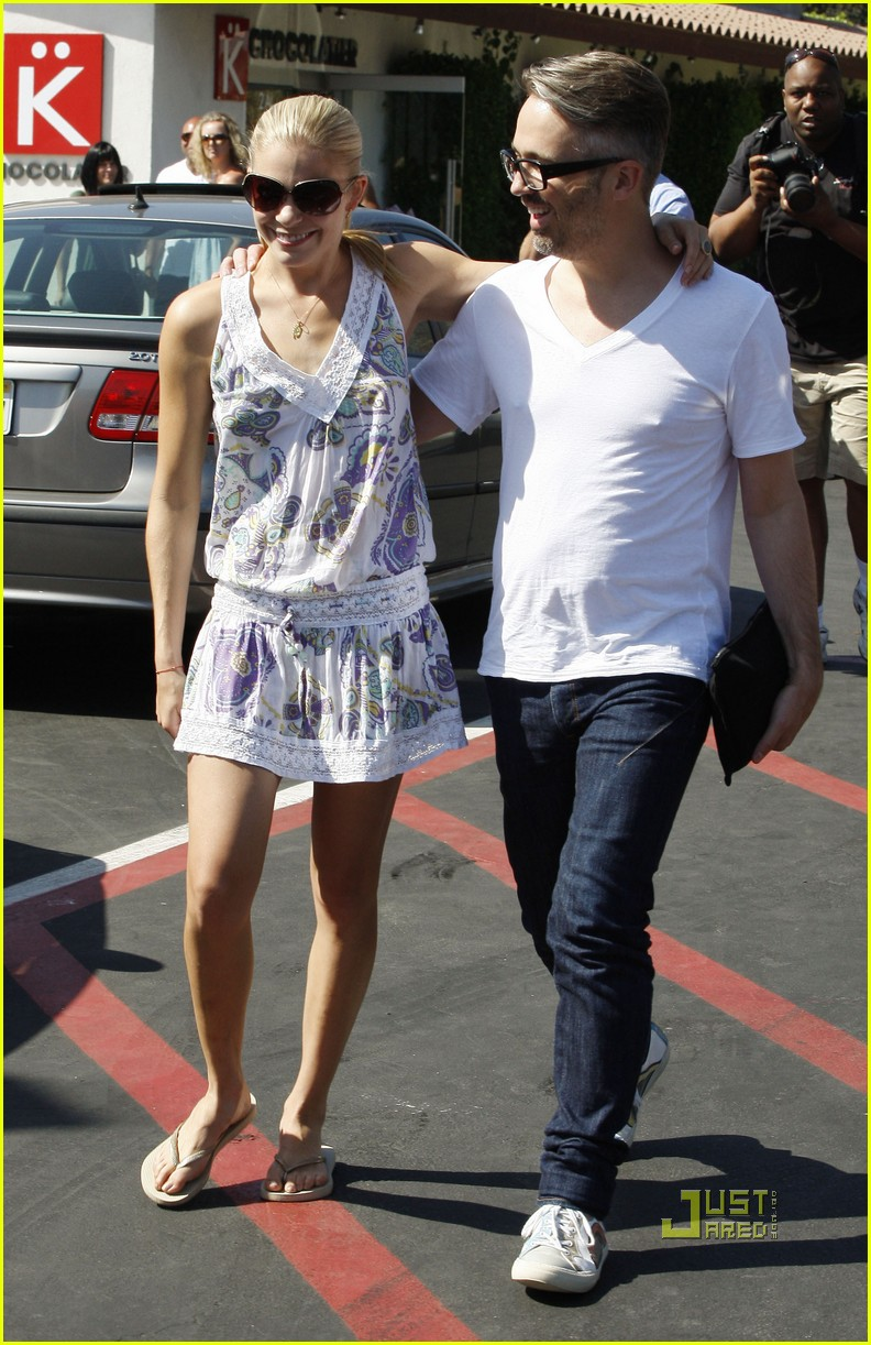 leann rimes thai beach restaurant 06