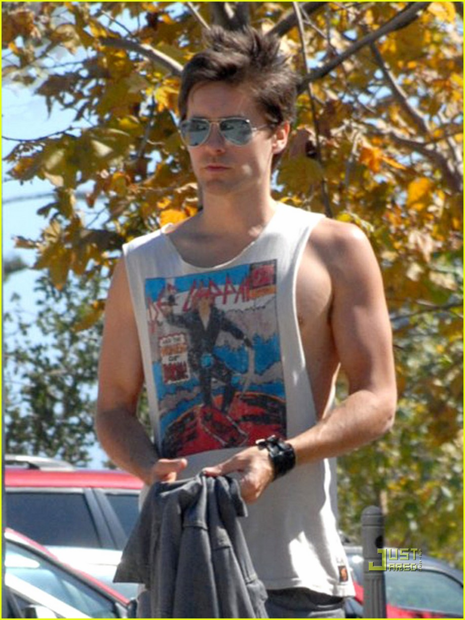 jared leto sleeveless sexy 02