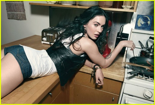 megan fox rolling stone october 2009 02
