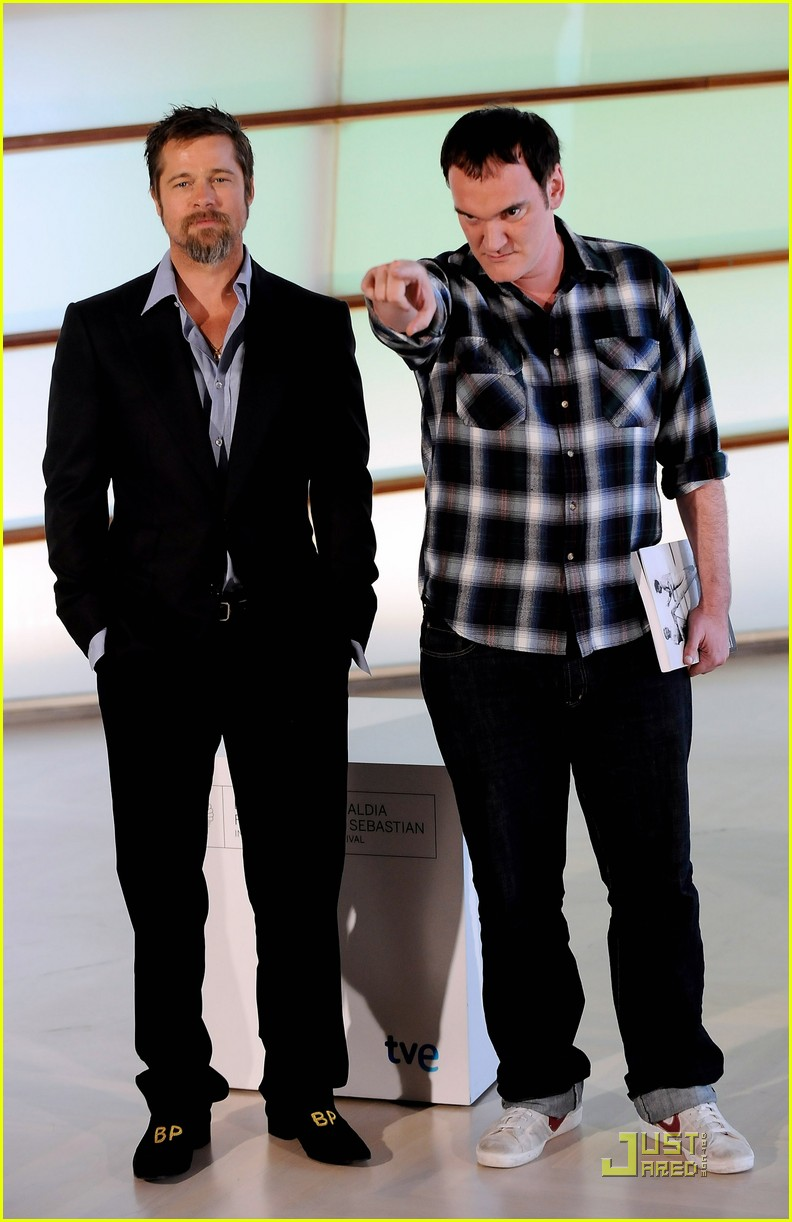 Brad Pitt Dons Monogrammed Shoes From Assistant: Photo 2225822 | Brad Pitt Pictures | Just Jared