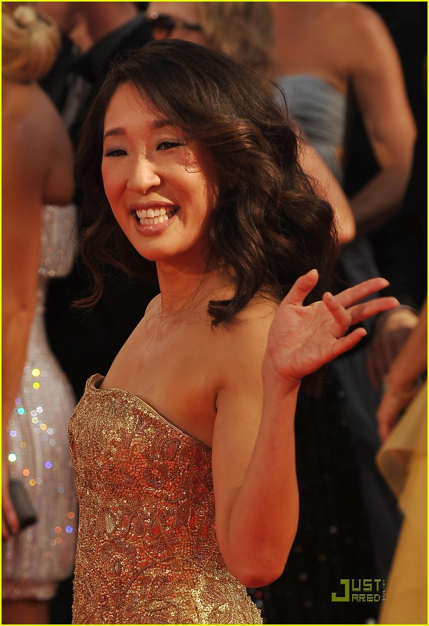 sandra oh emmy awards 2009 022230182