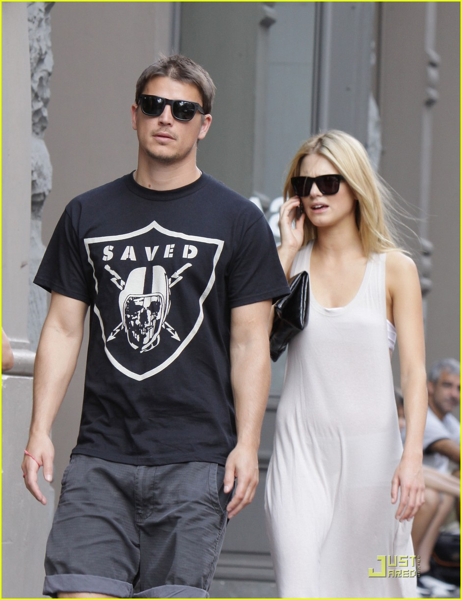 josh hartnett sophia lie couple 06