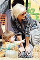 christina aguilera visits a pumpkin patch 20